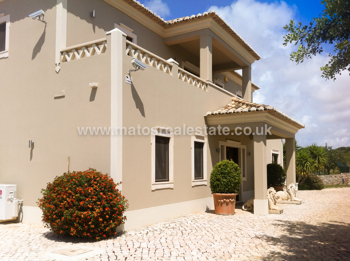 lovely countryside three bedroom villa in boliqueime