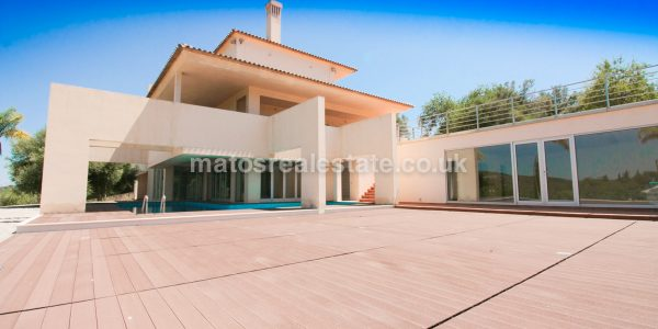 4 Bedroom Contemporary Luxury Villa near Loulé-79