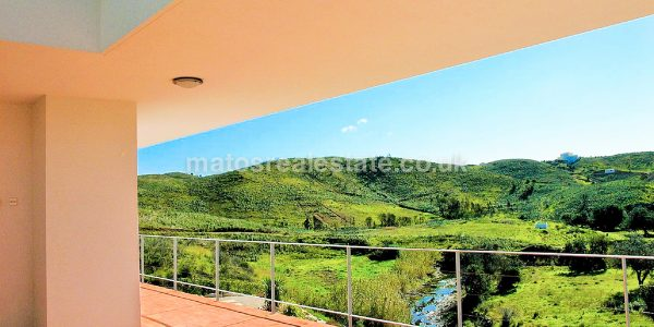 Elegant and Modern Property near Tavira