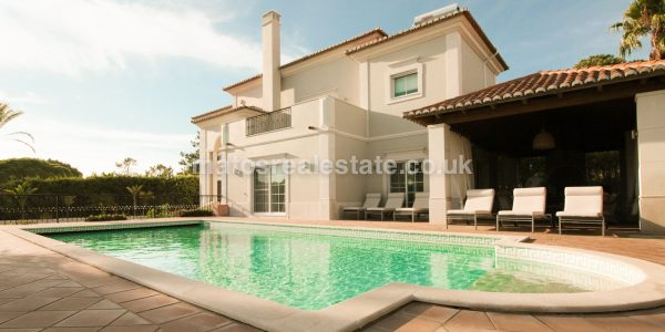 Charming 4 Bedroom Villa With Sea Views-147